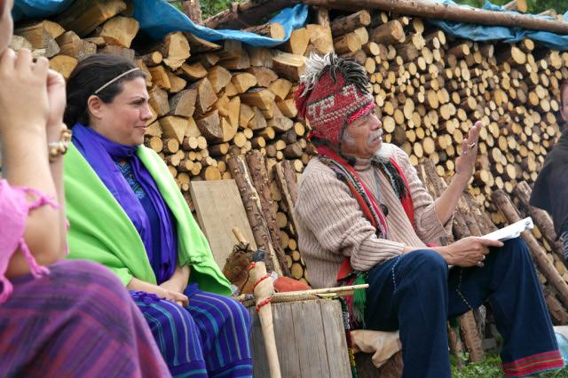 Tata Pedro přednáší o mayském kalendáři na Vysočině u Kuklíku